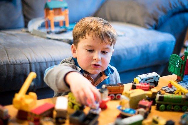 Niño jugando - Juegos preparados